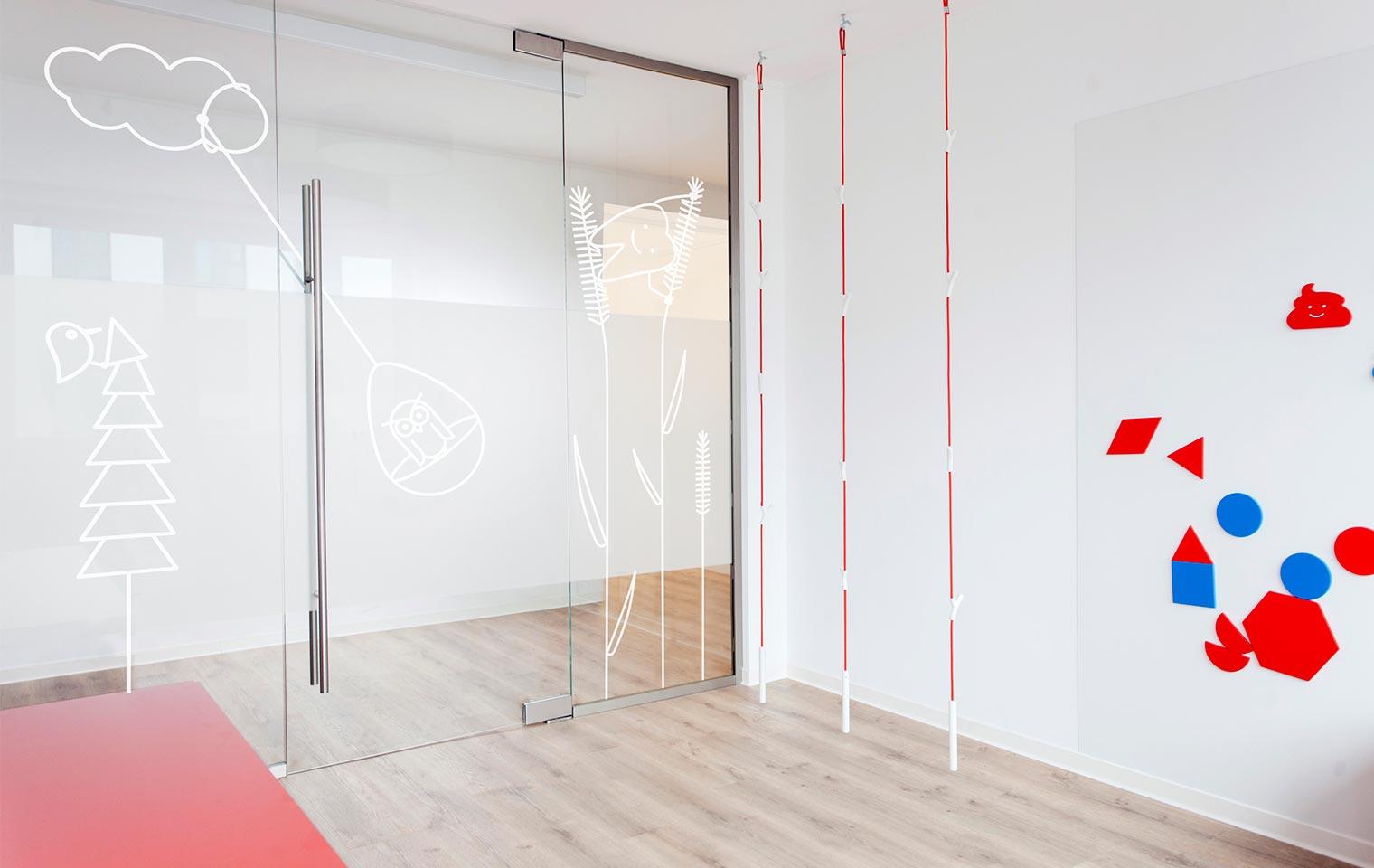 Glaswand im Wartezimmer